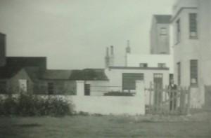 Der Uhrmacher Guy Bohon wohnte 1985 in diesem Haus in der Wancourstraat 11 in De Haan - Wenduine