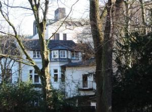 Nur_im_Winter_gut_sichtbar_Das_Kunsthaus-MH_Ruhrstr.3_von_der_Ruhr_aus_Foto_by_Ivo_Franz