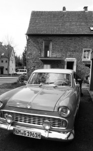 Old_Car_Old_House